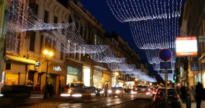 brussels-avenue-louise-at-night