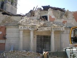 WIKIPEDIA_Aquila_eathquake_prefettura